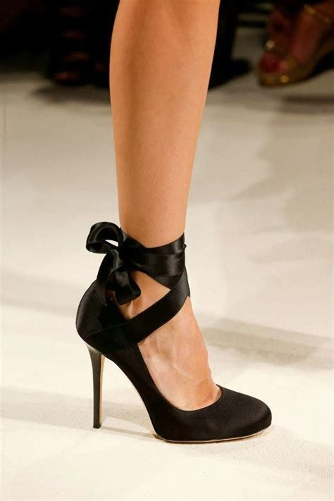 pretty shoestoots  toes images  pinterest