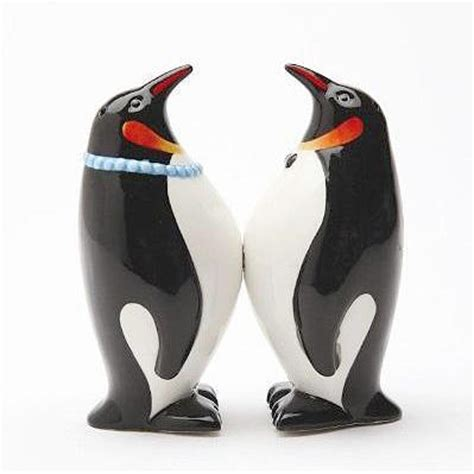 peeper the penguin books penguin salt and pepper shakers penguin gift shop
