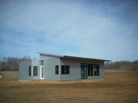 jetson green modern passive solar cascade house jetson green virginia passive solar modern house nearing