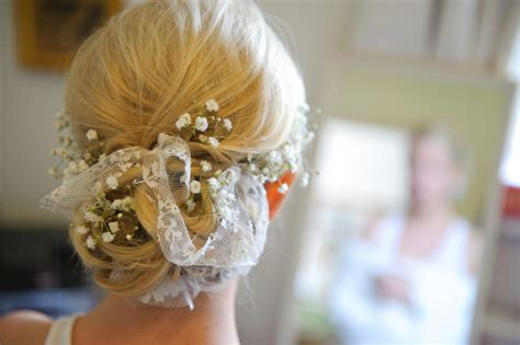 Wedding Hairstyles With Gypsophila by Wedding Hair Accesory Inspiration See How We Styled Our