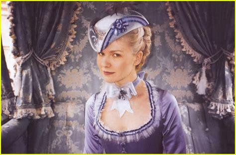Marie Antoinette 2006 Full Movie Full Sized Photo Of Kirsten Dunst Marie Antoinette01 Photo 356991 Just Jared