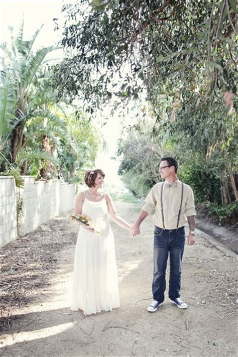 real backyard weddings real weddings melissa michael s coffee themed backyard
