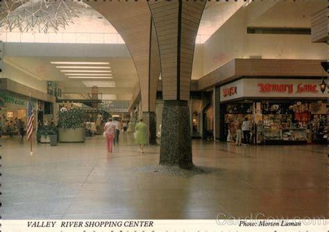 valley river shopping center eugene or