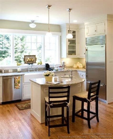 kitchens with islands designs 25 best ideas about small kitchen islands on pinterest