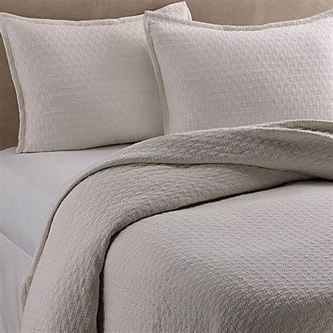 diamond matelasse coverlet vera wang puckered diamond matelass 233 coverlet in ivory