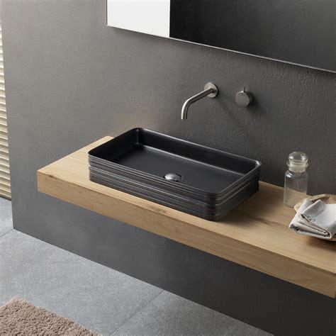 lavabo nero bagno lavabo nero da appoggio in ceramica lines by novello