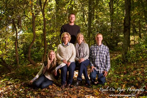 family portrait photographers now booking fall portrait sessions pixelsonpaperblog