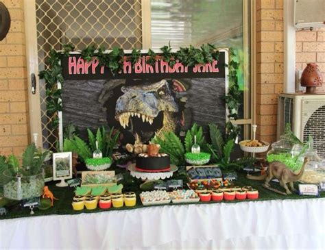jurassic park themed birthday party jurassic park birthday quot watch out it s a carnivore