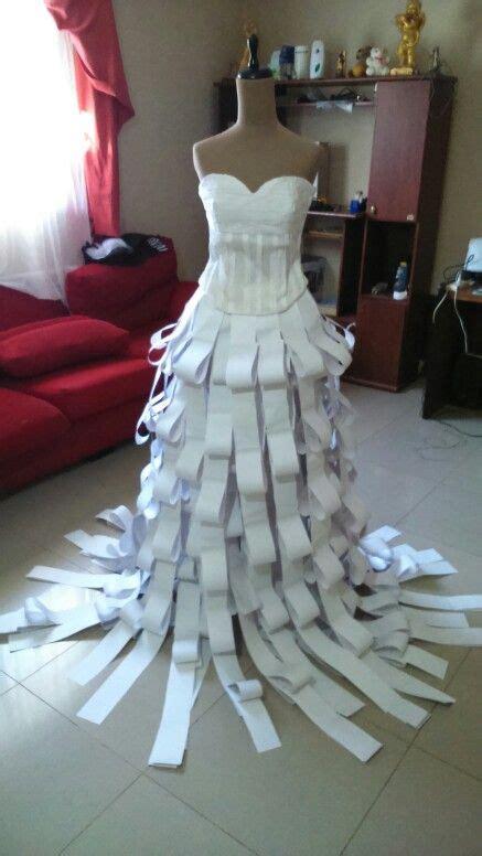 vestidos hechos con materiales reciclados un blog verde vestido confeccionado corset de papel crepe y falda de