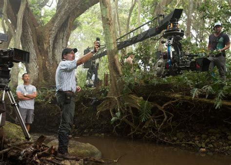 river thames jurassic world the park is open in jurassic world panavision