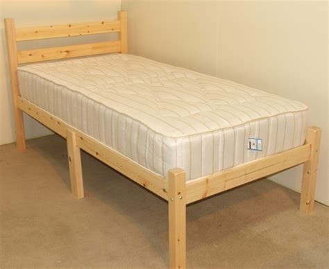 Somerset Bed Frame Somerset 2ft 6 Small Single Length Solid Pine Heavy Duty Bed Frame