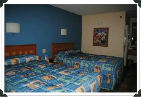 best rooms at pop century standard room picture of disney s pop century resort orlando tripadvisor