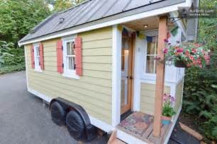 tiny house vacation rentals in florida 16 tiny houses cabins and cottages you can rent or