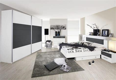 d馗o chambre design adulte chambre grise et blanche 19 id 233 es et modernes pour se