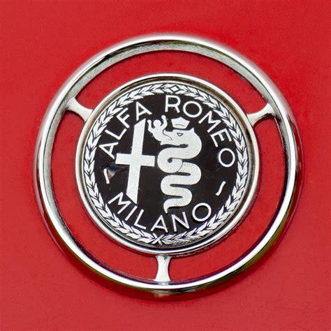 Alfa Romeo Symbol by Alfa Klub Poglej Temo Alfa Romeo Giulia