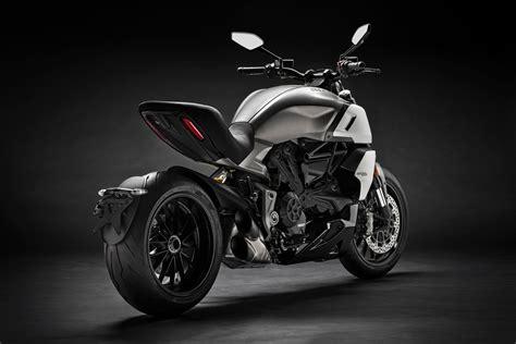 ducati diavel  guide total motorcycle
