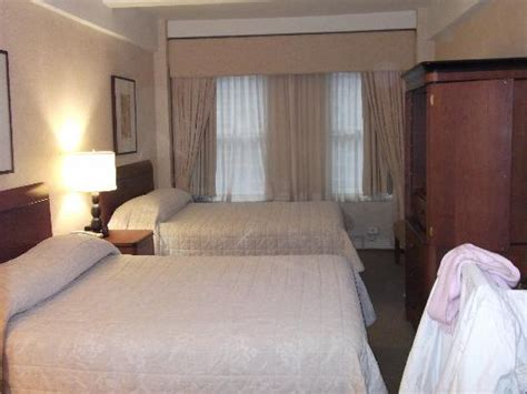new york hotel bed bugs wellington hotel nyc midtown manhattan new york city nyc