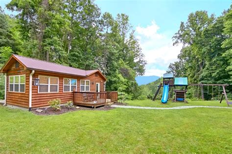 secluded 2 bedroom gatlinburg chalet with pool kimmys