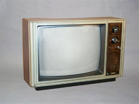 Tv Goldstar Goldstar Cmr2030 20 171 Inter Production Equipment Rentals
