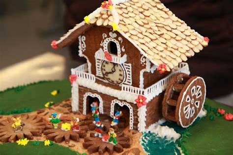 awesome gingerbread house