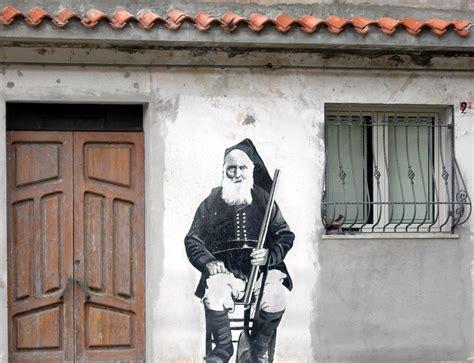 murales interni i 10 murales della sardegna che dovete assolutamente