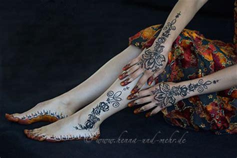 henna tattoo wie alt muss man sein mehndi henna kunst henna tattoos slideshow