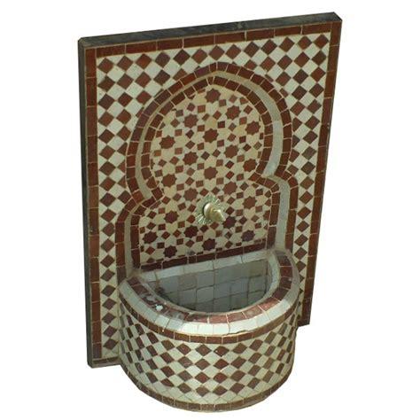 fontaine de jardin murale marocaine en zellige de marrakech