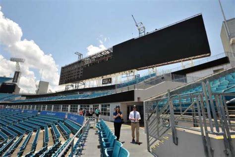 jacksonville jaguars stadium pool jaguars claim top spot for sport s largest board