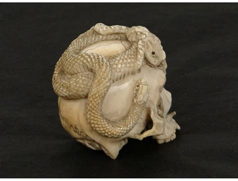 ivory skull sculpture ivoire vanit 233 cr 226 ne serpent crapaud japon xix 232 me