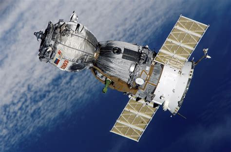 space craft satellite and spacecraft pics about space