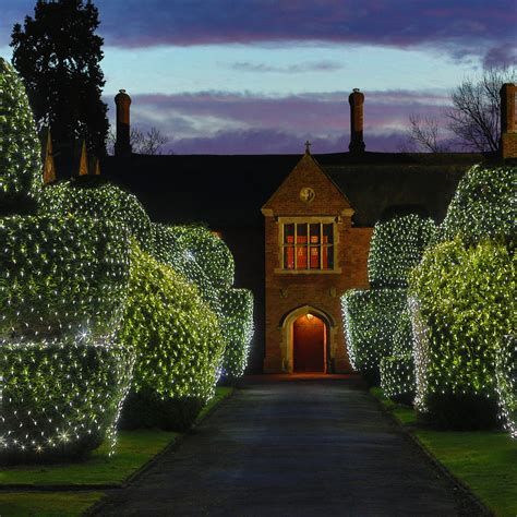 how to attach net lights to hedges 140 led white low voltage connectable net light 2m x 2m lights4fun co uk