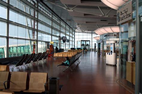 airport in porto portugal spotting at porto airport airport spotting