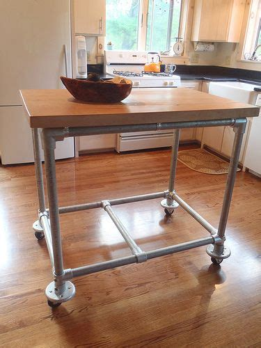 rolling kitchen island ideas 25 best ideas about rolling kitchen island on pinterest