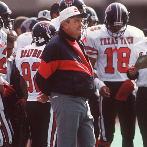spike dykes former texas tech coach spike dykes dies at age 79