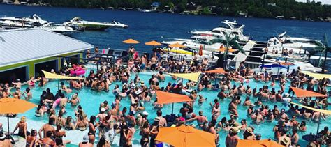 coconuts caribbean beach bar grill waterfront - Coconuts Boat Rental Lake Of The Ozarks