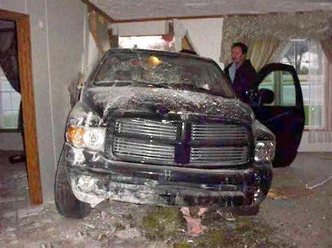 auto im wohnzimmer auto im wohnzimmer bilder auf bildschirmarbeiter