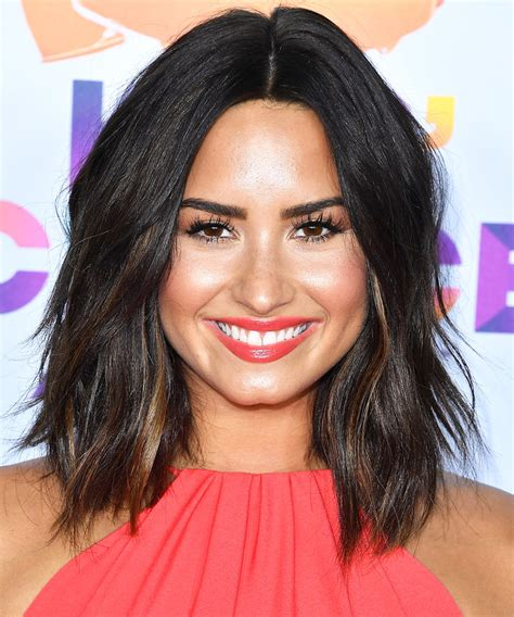 Demi Lovato Hairstyles by Demi Lovato S Choppy Lob Haircut Instyle
