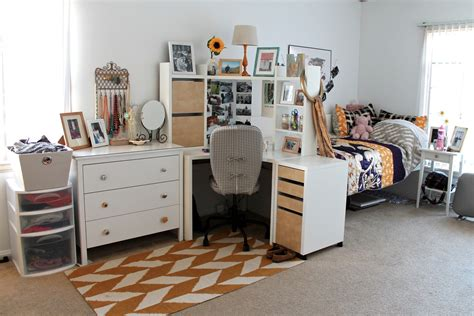 Diy Apartment Ideas The Caffeinated Closet Apartment Style