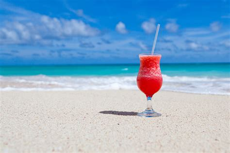 cocktail drinks on the beach drink on beach free stock photo public domain pictures