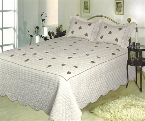 White King Size Quilt by Buy Leave Snowy White King Size Cotton Quilt With