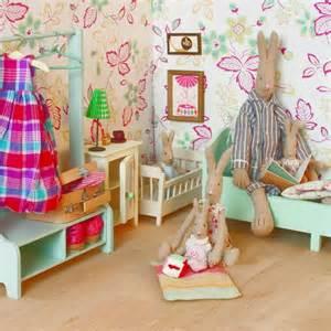 jouets gt poup 233 es et maisons gt portant 224 v 234 tements en bois