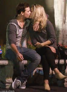 Peter Facinelli confirmed to be dating actress Lily Anne