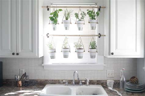 Hanging Herbs In Kitchen Window by 12 Amazing Ideas For Indoor Herb Gardens