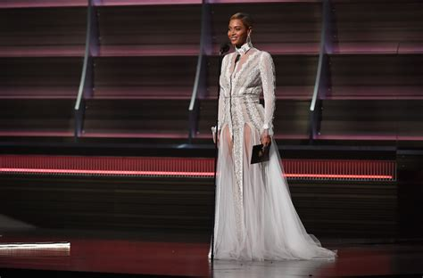 beyonce wears israeli designed wedding gown to grammys