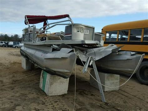 boat salvage auction canada 1998 crst boat for sale de seaford salvage cars