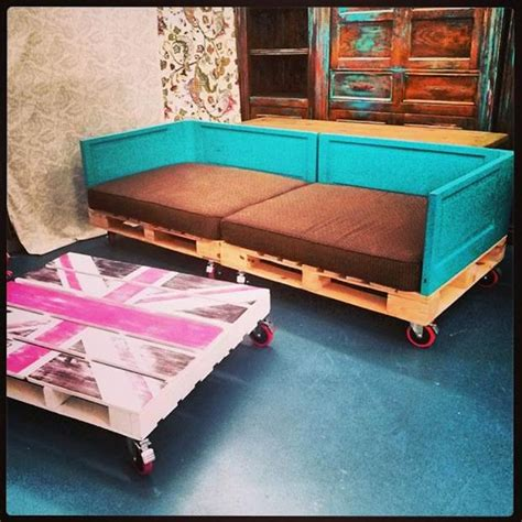 amazing pallet furniture projects for home 101 pallets amazing uses for old pallets 50 pics