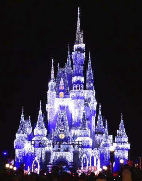 Cinderella Castle Dream Lights At Magic Kingdom In Walt Disney World Castle Lights