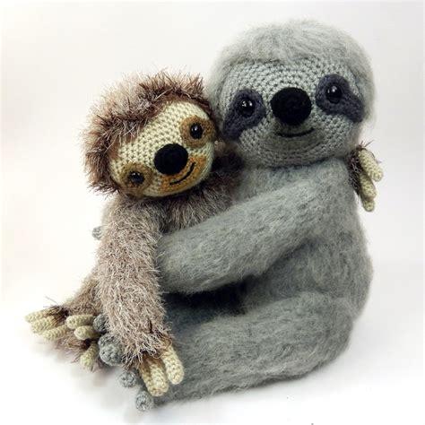 knitted sloth slocombe the sloth amigurumi crochet pattern by moji moji