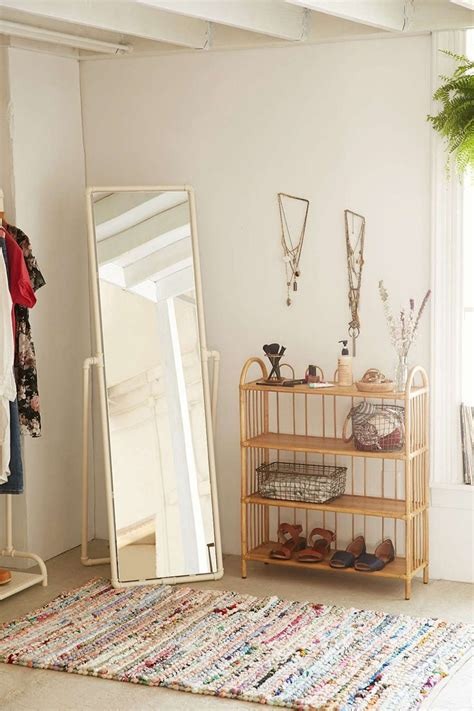 Outfitters Bedroom Decor by 1000 Ideas About Outfitters Room On