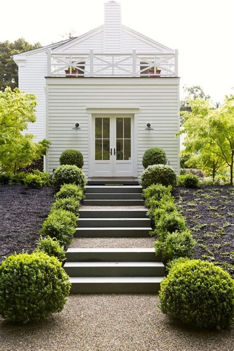 wood chips landscaping gardenista roundup for of boxwood gardenista